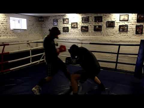 Боксер против качка