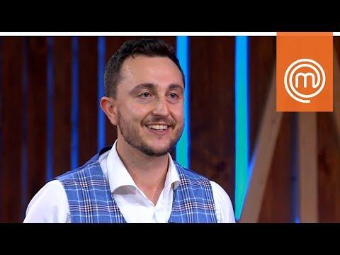 Joe Bastianich ruba il gilet di Verando | MasterChef Italia 8