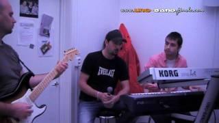 Nesto novo od UNO-banda i Denisa. Klavijatura Aziz Catic, Gitara Om...