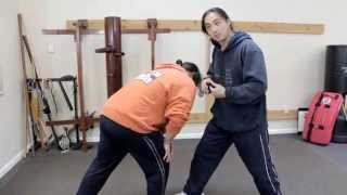 Kung Fu Street Fighting - Defense Against A Mid Section Bum Rush The Waist Area