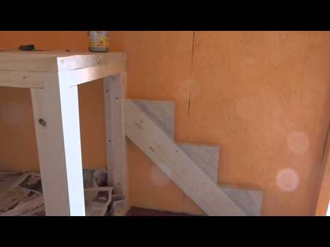 Впервые изготовление лестницы на 2 этаж садового домика.Часть 1
