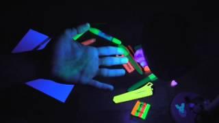 Разные фломастеры под ультрафиолетом(, 2014-10-06T14:44:56.000Z)