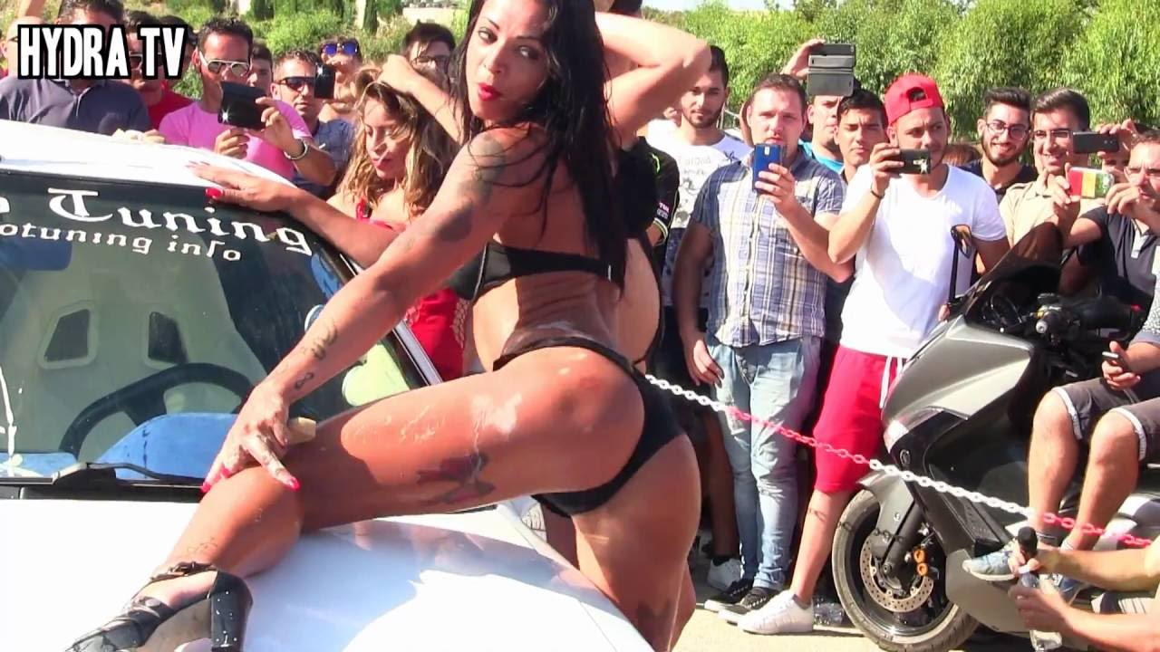 sexy naked car wash girls
