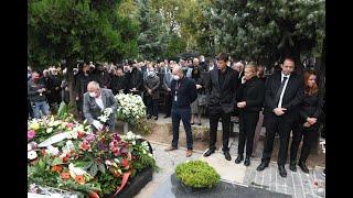 Tužna scena na grobu Dude Ivkovića! Pušteni beli golubovi u njegovu čast!