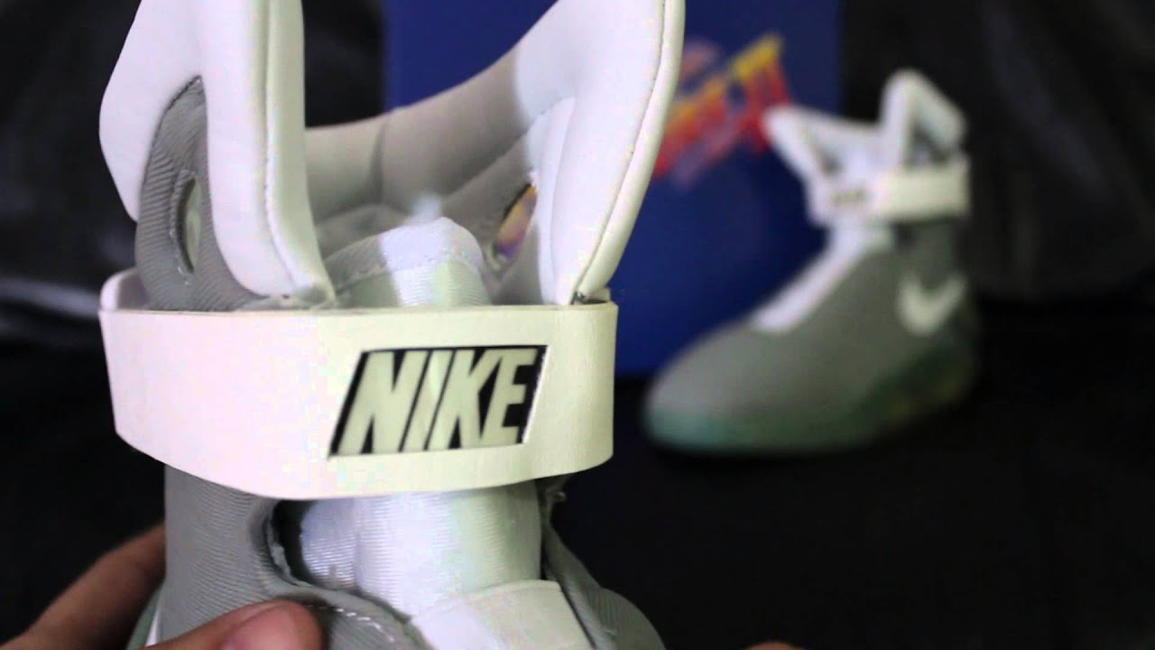 buy popular e8a46 7584a 2015 Nike Air Mag - HalloweenCostumes BTTF McFly