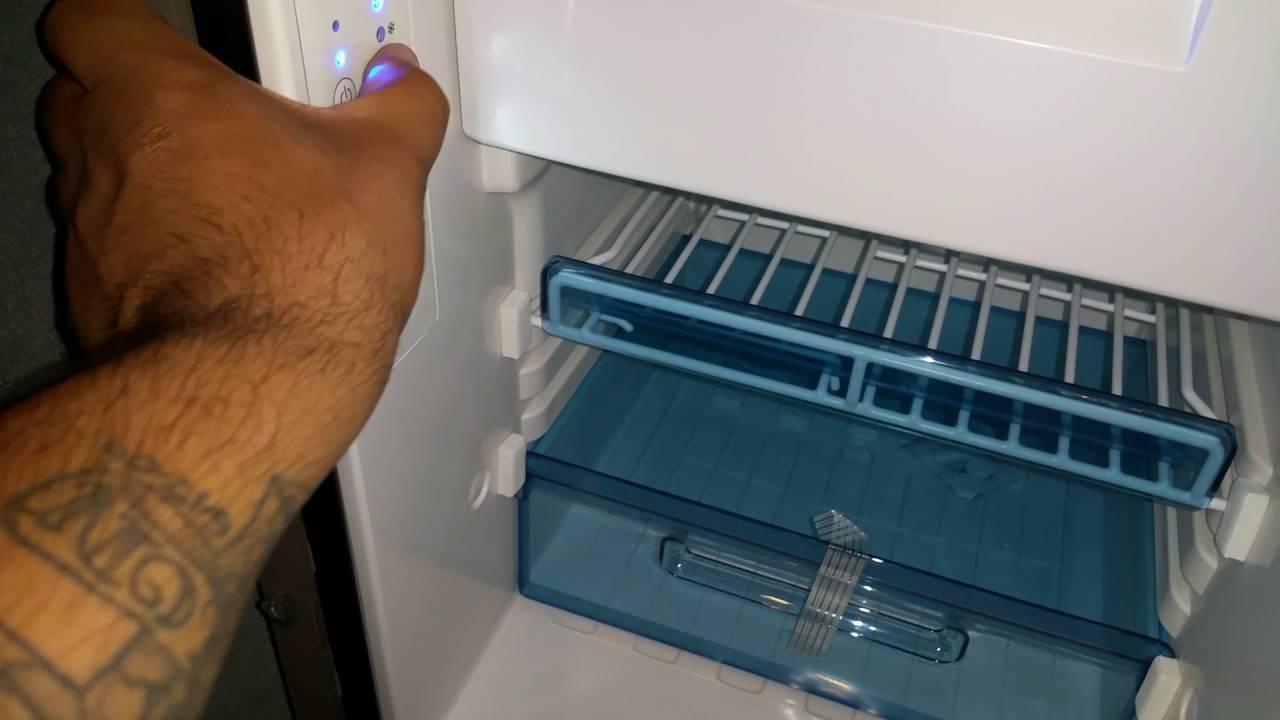 2017 freightliner dometic fridge problem