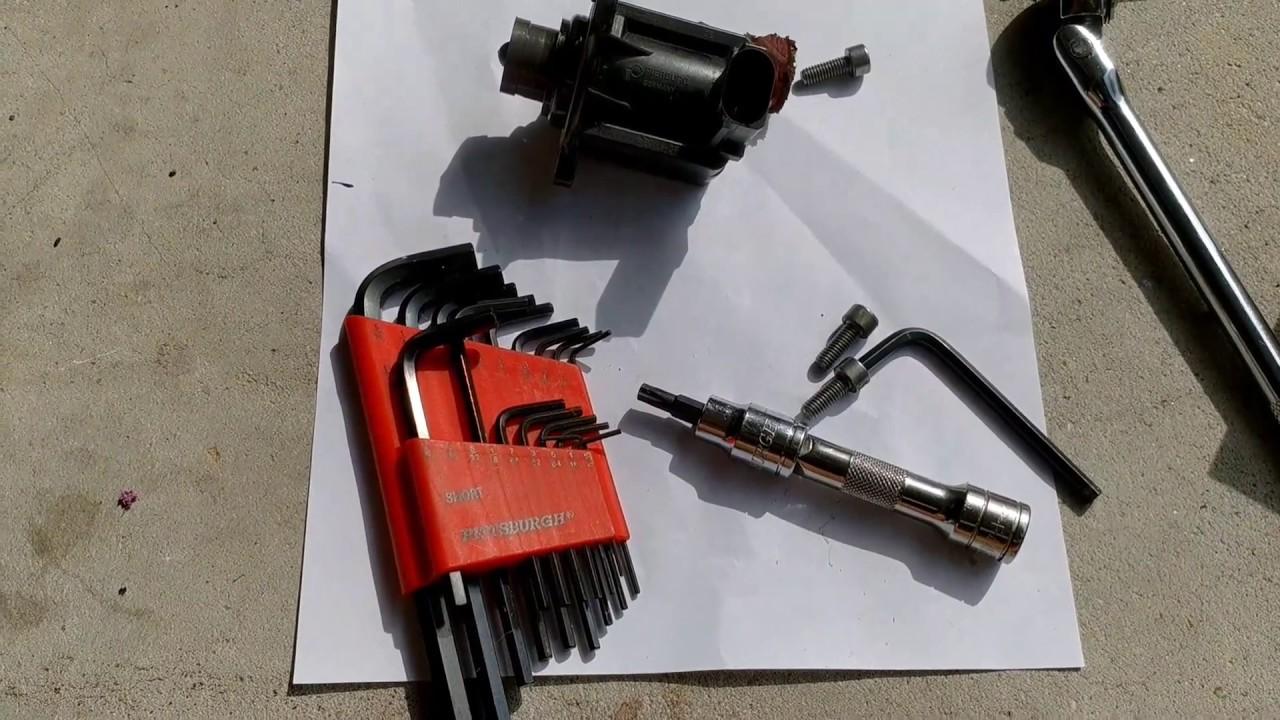 VW/Volkswagen Tiguan 2 0T Check Engine Light P0299 Turbo Diverter Valve  Install/Replace Part 3
