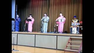 沖縄民謡トーク&ライブショー 前半は三線の花についてのユンタクです。