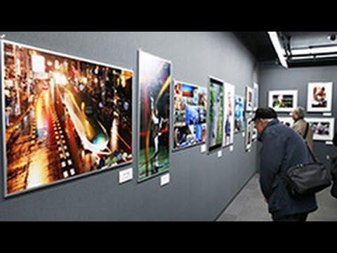 一瞬を伝えた1年 札幌で報道写真展始まる (2014/12/19) 北海道新聞