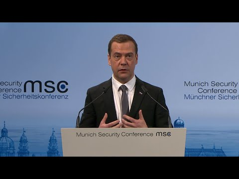 French PM Valls and Russian PM Medvedev debate on international affairs