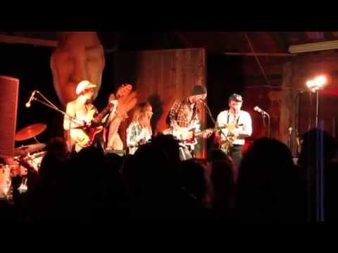 Roxy & The Underground Soul Sound - Mistakes (Full Circle Festival, 21 June 2014)