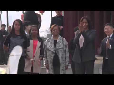 Michelle Obama Tours China, Visits Terracotta Warriors