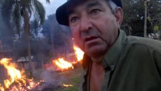 Vecino inicia quema en terreno céntrico, Puerto Rico Misiones