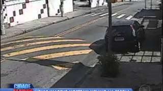 Homem é filmado entrando no carro da cabo Andréia Pesseghini depois que Pai fantasma de amiguinho le
