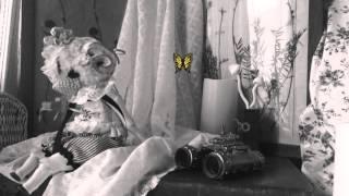 カタコト舎が制作した、ヘッドは編みぐるみ、ボディは球体関節人形の「...