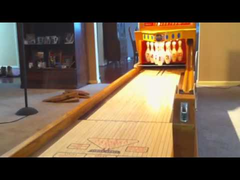 Vintage Arcade Games >> 1956 united ball bowler bowling machine part 1 of 2 for sale coinopny.com - YouTube