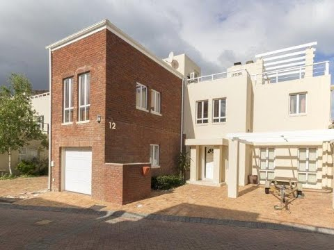 3 Bedroom House For Sale in Harbour Island, Gordons Bay, Western Cape, South Africa for ZAR 3,750...