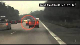 Renter auf der Autobahn mißachtet Haltesignal der Polizei