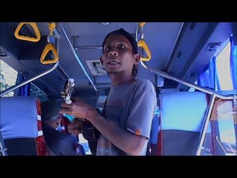GT-PL #1 Funny Indonesian Street Singers, Comical Okulele in Bus Line Senen - Ciawi 1