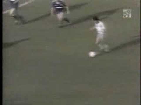 Gol de juanito con el malaga al real madrid youtube for Juanito makande malaga