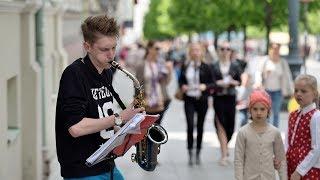 Top 10 AMAZING Street Performers Musicians Saxophone (2017)