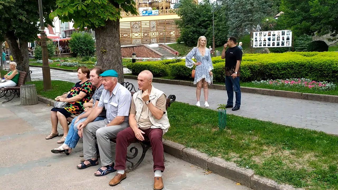Трускавець: виступ самодіяльності з Модричів у центрі міста
