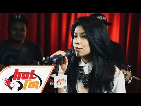 BETTY RAHMAD - TERUKIR DI BINTANG (LIVE) - Akustik Hot - #HotTV