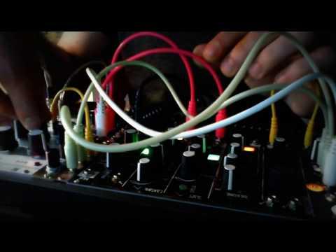Make Noise 0 coast / Mutable Instruments Rings [ randomness ]