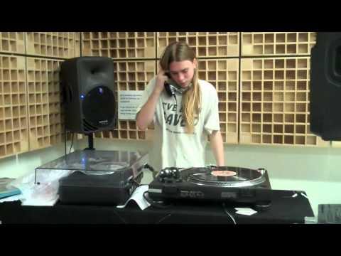 DJ Spazmunkee at C89 5 fm Oct 7, 2010