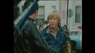 An eye for an eye (1981) Chuck Norris