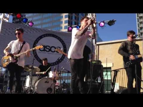 """The Neighbourhood """"Sweater Weather"""" Live At SXSW 2013"""