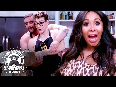 Bare Chested Baking! (Would You Eat This?) ft. Topless Baker   Cooking in the Crib w/ Snooki & Joey