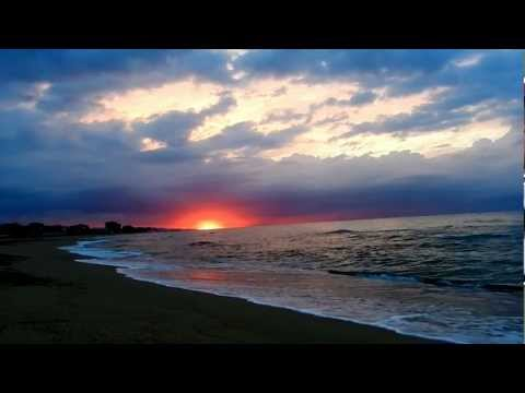 Relax: Amanecer en la playa, sonido del mar HD 1080p [ Música Relajante ]