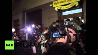 "Ukraine: Crowd chants ""Russia, Russia"" at UN representative Serry"