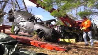 """""""فيديو"""" شاهد سحب سيارة نيسان سنترا 1986 مسروقة منذ 28 عاما من نهر ميريماك"""