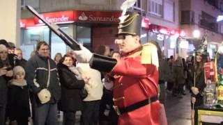 El caballero de los espejos - Desfile popular