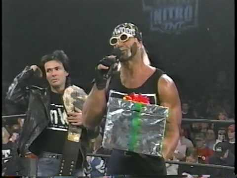 Hollywood Hogan gets a gift, Sting Ziplines into Ring (HQ)