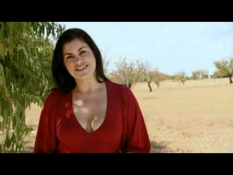 Amanda Lamb Various Amazing Cleavage Youtube