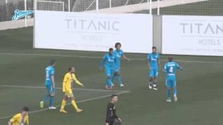 Hulk scores goal off of a corner kick / Халк забивает прямым ударом с углового
