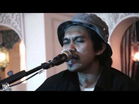 This is Live - Rocket Rockers (Hari untukmu All of Me Cover)