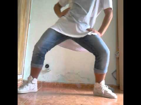 Chico bailando reggaeton 2015