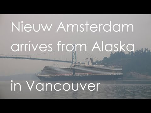 """Nieuw Amsterdam"" arrives from Alaska in Vancouver under Lions Gate Bridge"