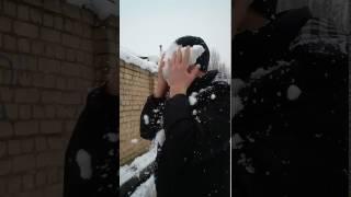 Снег у харю...