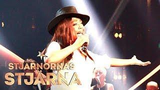 LaGaylia framför Carlene Carters låt Every little thing i Stjärnorn...