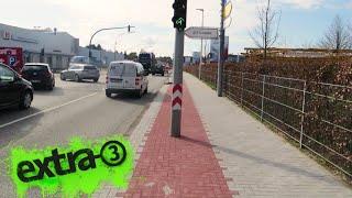 Realer Irrsinn: Ampel mitten auf Radweg in Flensburg