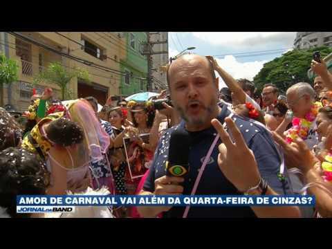 Casal se conhece na folia e casa em bloco de Carnaval