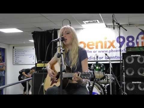 Winter - Lonely Traveller (Phoenix FM Creative Sessions)