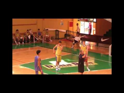 Clinic per allenatori di Basket - Ettore Messina:  Miglioramento individuale del giocatore esterno