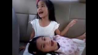 Cute Asian Girls Singing / สาวน้อยน่ารัก ร้องเพลงอย่างมีความสุข