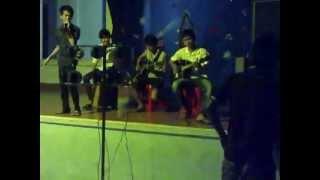 mắt cười. CLB guitar ĐH Nha Trang
